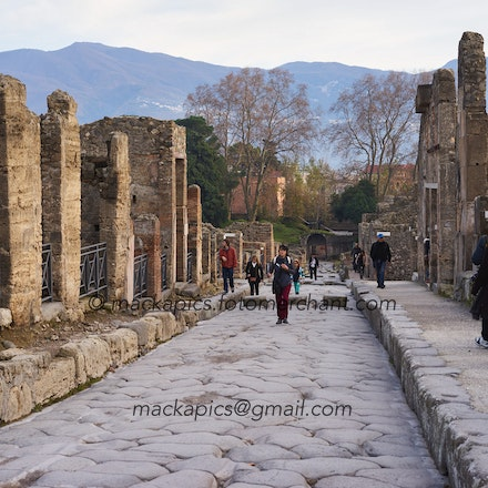 Just another street in Pompeii - Pompeii trip