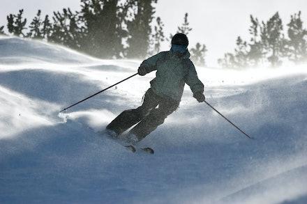 0801_Off_Piste_Skiing_008