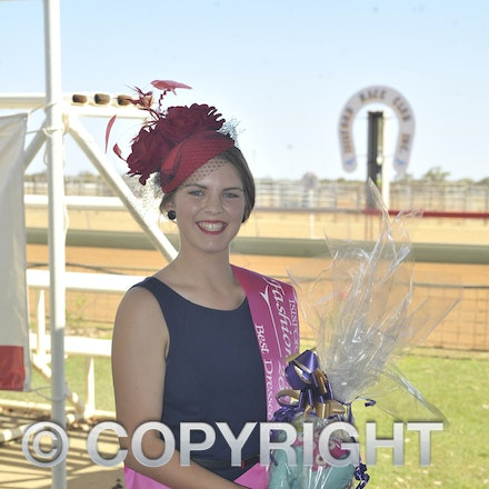 151024_SR23445 - Chelsea Walton at the Isisford Races, Saturday October 24, 2015.  sr/Photo by Sam Rutherford