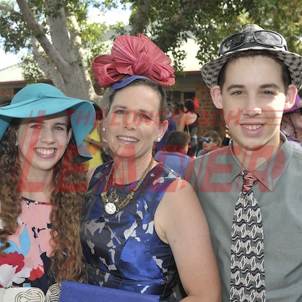 160430_SR25434 - Shelby, Heidi and Jordan Howard at the Tree of Knowledge Cup Race day in Barcaldine, Saturday April 30, 2016.  sr/Photo by Sam Rutherford